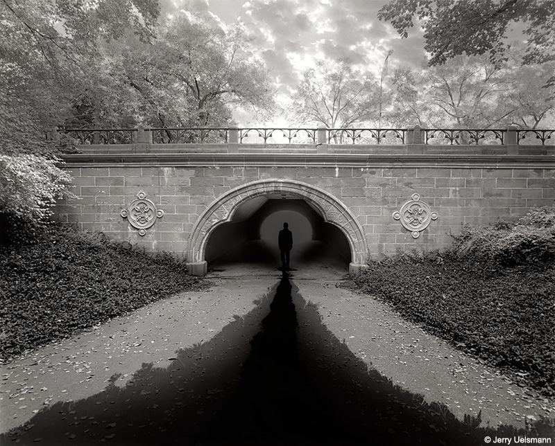jerry uelsmann Masters of photography features the greatest practitioners of the camera over 750 photos, along with extensive essays and biographies, make this an indispensable.
