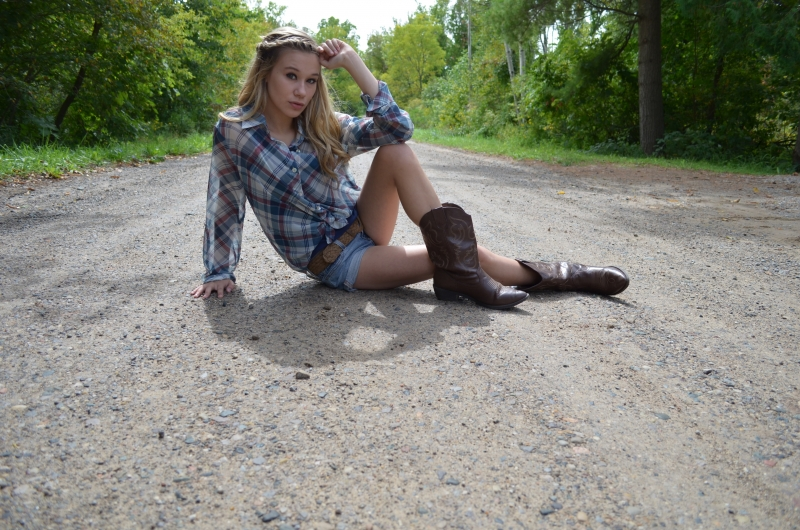Yeah I'm Chillin' On A Dirt Road