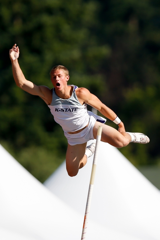 Decathlete Pole Vault