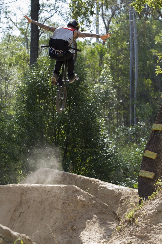 Logan Martin – No Hander Dirt