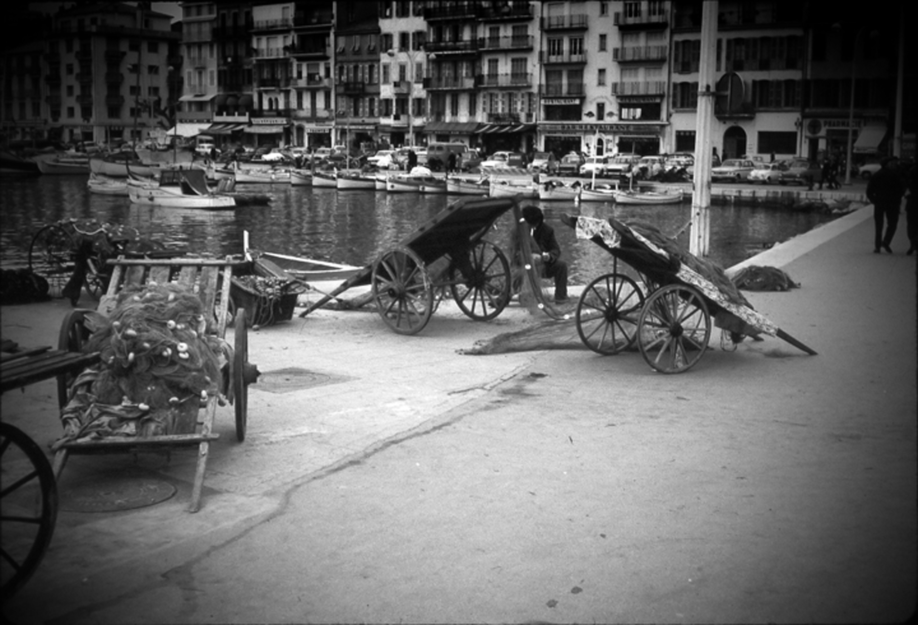 Cannes, tending nets, 1964